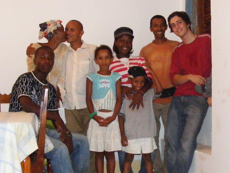 De g à d: Carlos (mon ami), Tanha, Carlos (cousin d'Adriano), Carla, Asha, Carlinho, Adriano, Mateus.